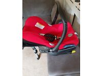 Maxi cosi infant car seat and isofix base