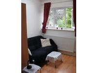 Short term double in modern 2bd flat near Uni and Hospitals (incl. bills) available now!