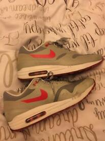 Women's/men's grey Nike air (hyperfuse) size 5.5