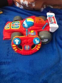 Baby clementoni Lewis racing car