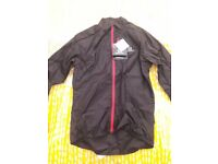 Salomon Fast Wing JKT - Small size. Light (85g) and packable windshell jacket - NEW