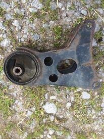 Nissan Primera P12 Diesel rear engine mount