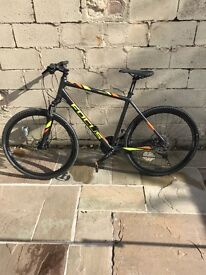 Male Hybrid Road Bike