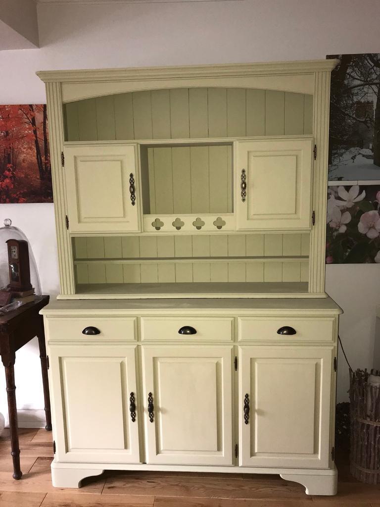 Ducal pine dresser