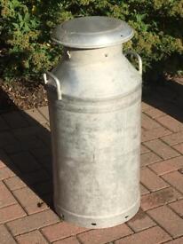 Alloy 10 gallon milk chur
