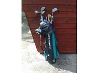 Gents Golf Bag, Clubs and Umbrella