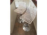 Pair of white bar kitchen stools, height adjustable