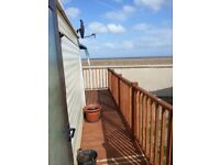 Lovely holiday caravan with sea view for hire in Lowestoft