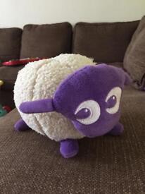 Ewan the dream sheep (nearly new)