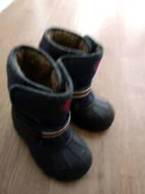 Size 8 shoe, snow boot sandal,timberland bundle