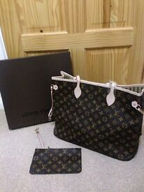 Louis Vuitton Tan letter monogram Neverfull bag with a pouch for sale