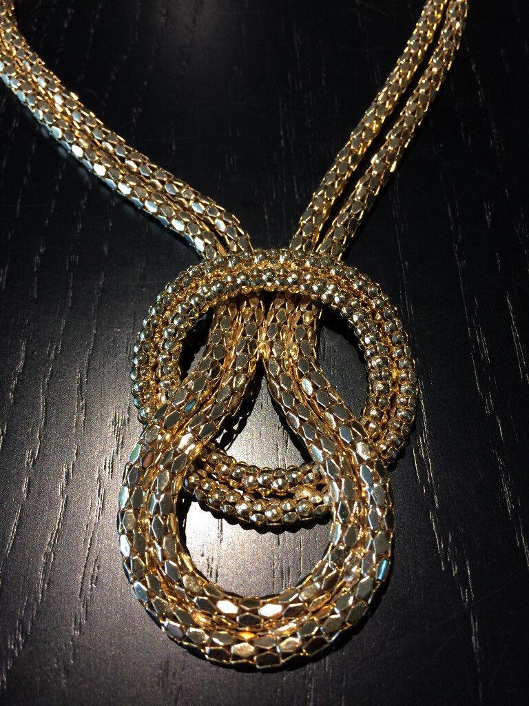 Gorgeous gold colour necklace
