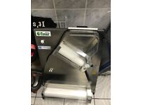 Fimar pizza roller dough former in perfect condition selling due to selling shop