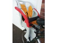 Co-Pilot childs cycle seat, in very good condition, hardly used, comes with cycle rack.