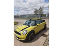 LOVLEY MINI COOPER S CONVERTIBLE!!! BEAUTIFUL COLOUR AND IDEAL FOR THE SUMMER.