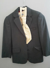 Boy's dark grey suit fits 6-7 years old