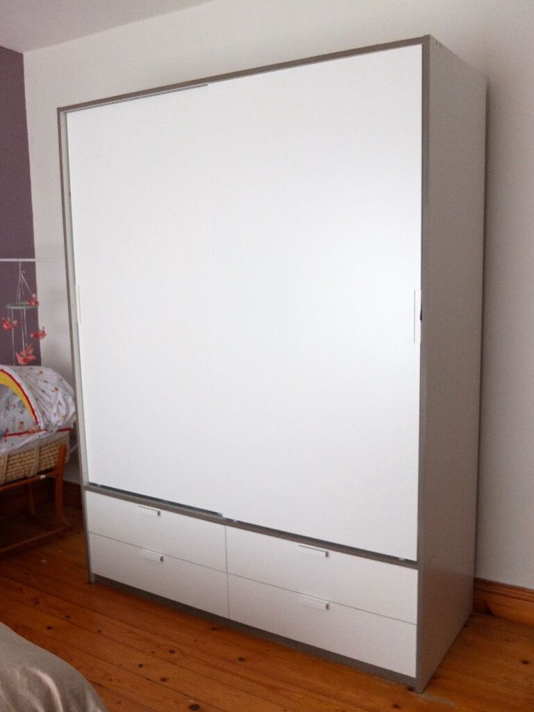 Ikea Schreibtisch Expedit Mit Regal ~ IKEA TRYSIL wardrobe with sliding doors 4 drawers white light grey