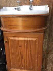 Vanity unit in antique pine with 550cm wide sink.