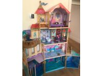 Dolls house with every thing in pic
