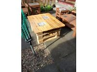 Upcycled Garden/Patio Pallet Table with Glass light Blocks