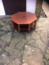 COFFEE TABLE IN VERY GOOD CONDITION FOR SALE