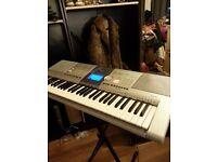 Yamaha Psr 295 plus keyboard stand, music sheet stand, guitar stand