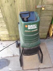 Black and Decker garden chipper
