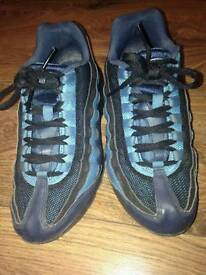 Nike air 95 trainers size 5