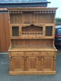 Country Farmhouse Solid Cedar Wood Dresser