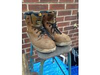 Dewalt men's work boot shoes size 11 UK leather steel toe cap