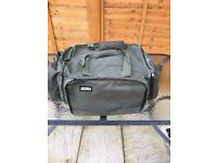 Tracker armo large carryall