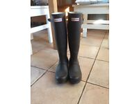 Hunter Wellington Boots nearly new size 3