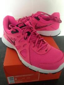 Women's / girls Nike trainers