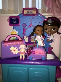 Doc McStuffins Hospital Playset with Doc McStuffins outfit, Doctors bag, Doc Truck and Doll