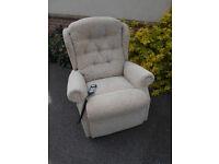 Celebrity Petite Riser Recliner Chair