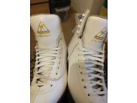 Jackson Mystique White figure skates Size 6 1/2