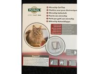 PetSafe Microchip Cat Flap Easy Installation Battery Powered Pet Door with 4-Way Manual Lock White