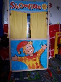 Children's Puppet Show and puppets