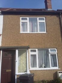 2/3 bed house slough wanted 3-4 bed London