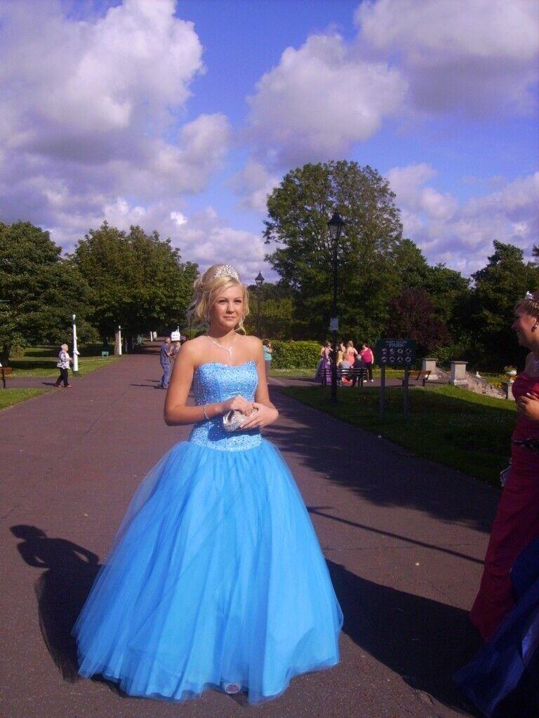 f274426ef7 Prom dress stunning head turner
