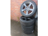 Set of brand new Calibre Tourer 18″ Alloy Wheels and tyres