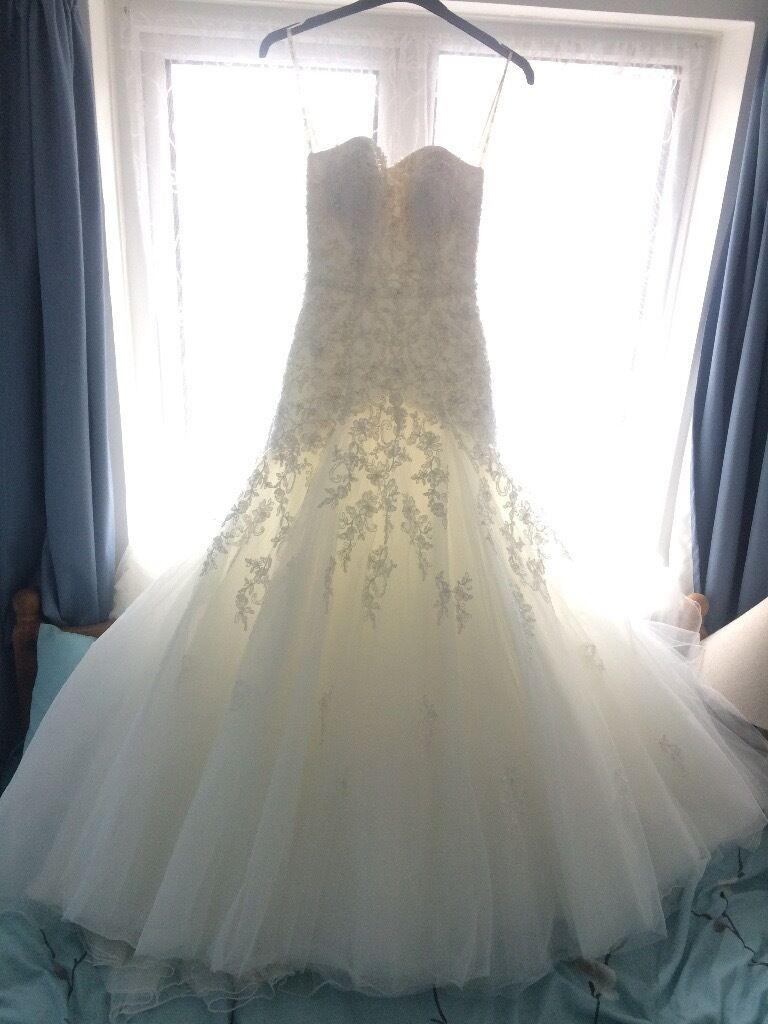 Mark Lesley Wedding Dress Size 8