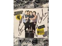 5SOS SIGNED EP (She Looks So Perfect) released in 2014 + 3 EP's with bonus tracks or demos