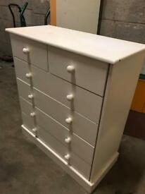 Bedroom white drawers
