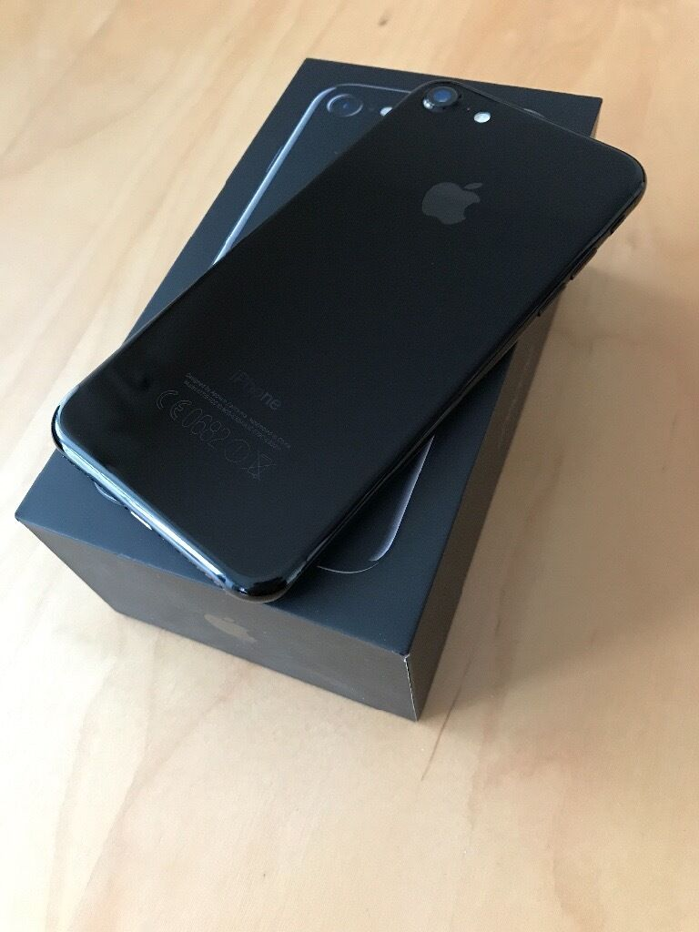 Apple iPhone 7 128gb Jet Black - Unlocked to all networks!!