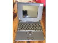 Apple Macintosh Powerbook 180c first portable laptop vintage computer
