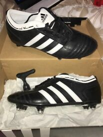 **SIZE 4 ADIDAS FOOTBALL BOOTS BRAND NEW**