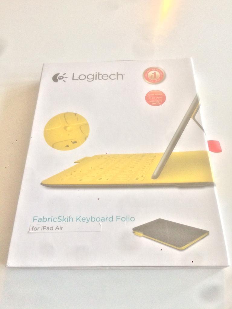 Logitech FabricSkin Keyboard Folio