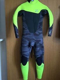 Neon Billabong wetsuit aged 14 years with thickness of 5/4 in excellent condition for sale.