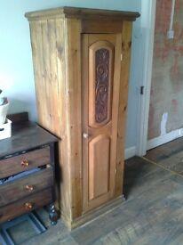 small wardrobe / Linen press .